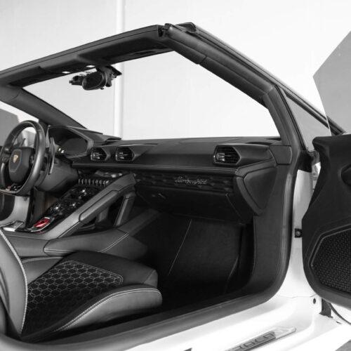 Lamborghini Huracan Spyder Rental - Interior Picture